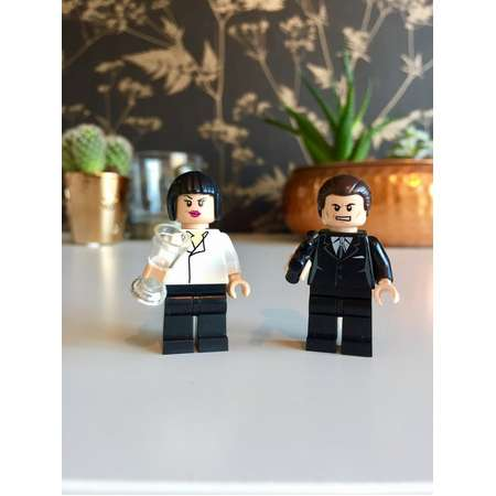 Mia and Vince Pulp Fiction® cult film custom minifigures Pulp Fiction® keychain/keyring (gift box available) Cult Film Movie Lover thumb