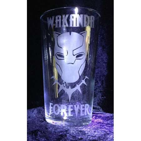 Black Panther inspired - Wakanda Forever  - Etched glass 570 ml thumb