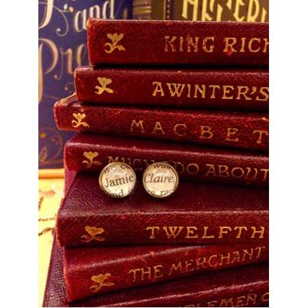 Outlander earrings, Jamie and Claire, Diana Gabaldon, book lover earrings thumb
