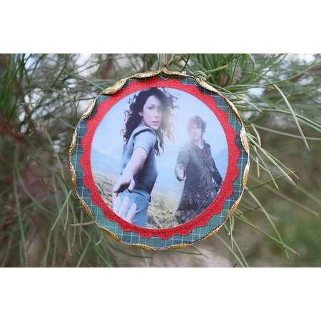 Outlander Ornament, Claire and Jamie Ornament, Outlander Christmas Ornament, Wood Outlander Ornament thumb