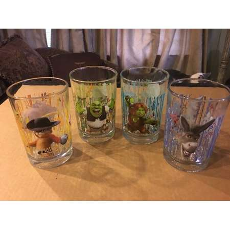Set Of 4 Assorted Dreamworks  Shrek Forever After Tumblers From McDonalds. 2007 thumb