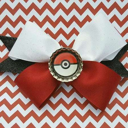 Pokemon Pokeball Hair Bow thumb