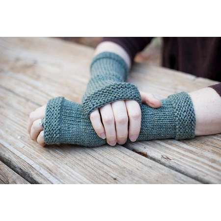 READY TO SHIP, Outlander inspired, Castle Leoch fingerless gloves, Claire's gloves, green knit fingerless gloves, hand knit arm warmers thumb