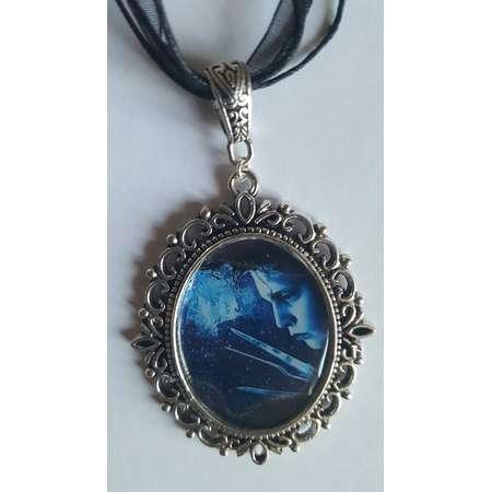 Edward Scissorhands Necklace thumb
